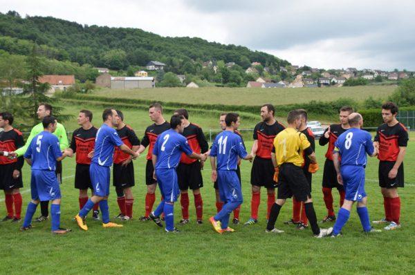 football-coupe-de-france-montcenis-ouvre-la-marque-mais-s-incline-logiquement-3-a-1-face-a-palinges-490526